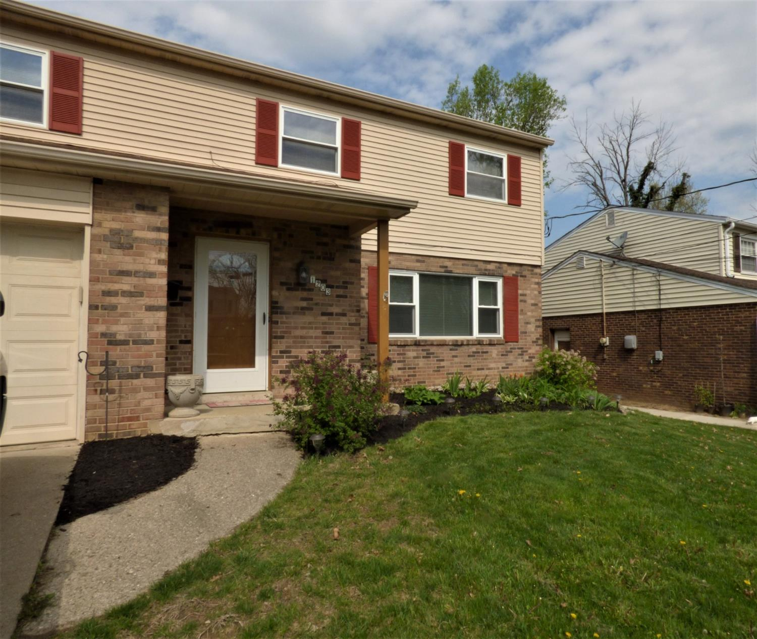 Property for sale at 1203 Oldwick Drive, Reading,  Ohio 45215