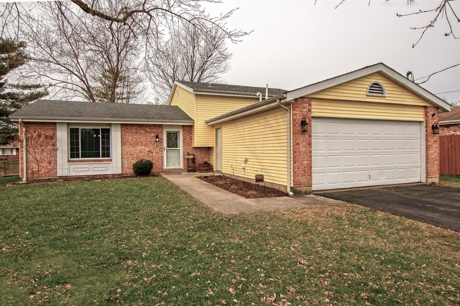 Property for sale at 6883 Lancaster Drive, Franklin Twp,  Ohio 45005