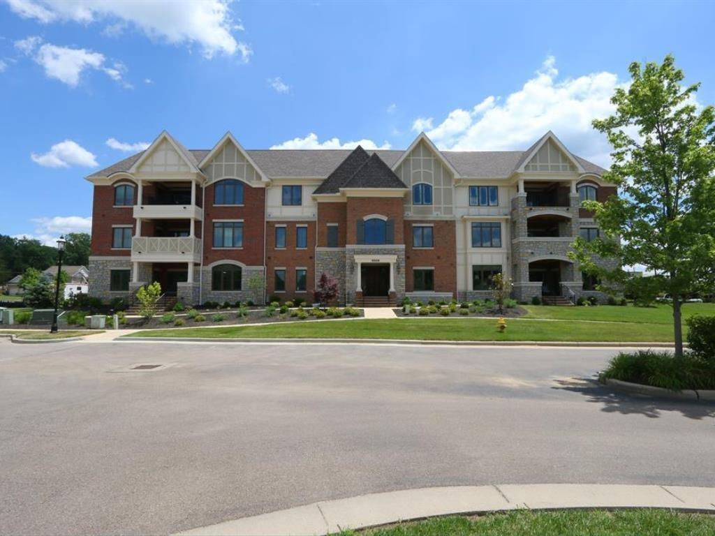 Property for sale at 9506 Park Manor Boulevard Unit: 203, Blue Ash,  Ohio 45242