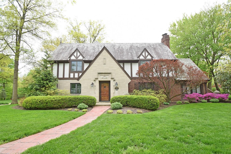 Property for sale at 1501 Oak Knoll Drive, Cincinnati,  Ohio 45224