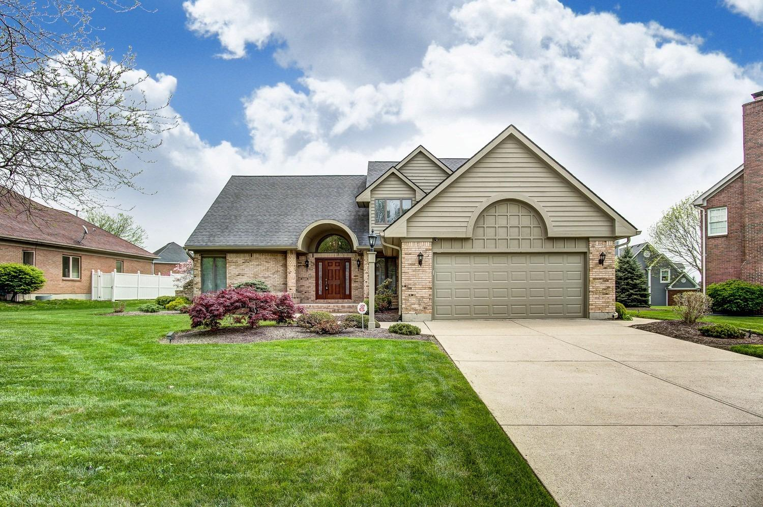 Property for sale at 5004 Oakview Drive, Middletown,  Ohio 45042