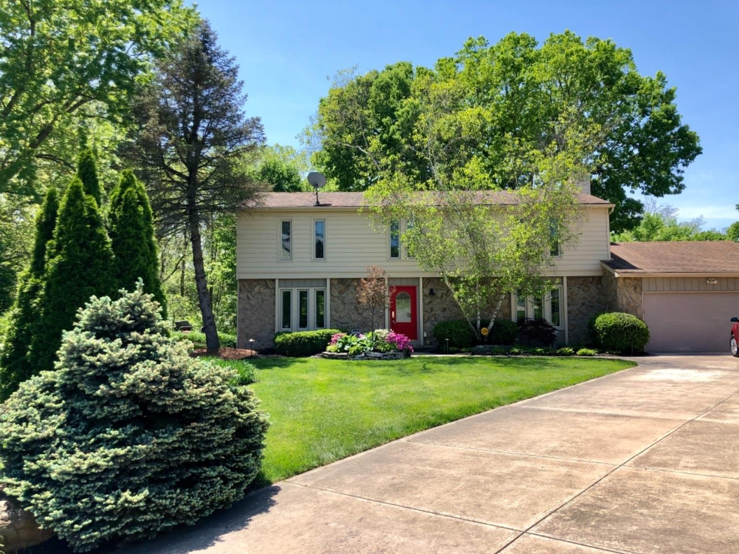 Property for sale at 8025 Pinetree Circle, West Chester,  Ohio 45069