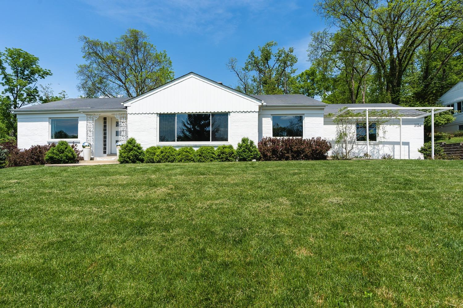 Property for sale at 3134 S Farmcrest Drive, Amberley,  Ohio 45213