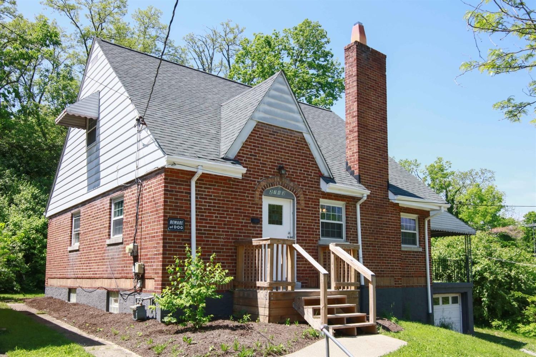 Property for sale at 2743 Orland Avenue, Cincinnati,  Ohio 45211