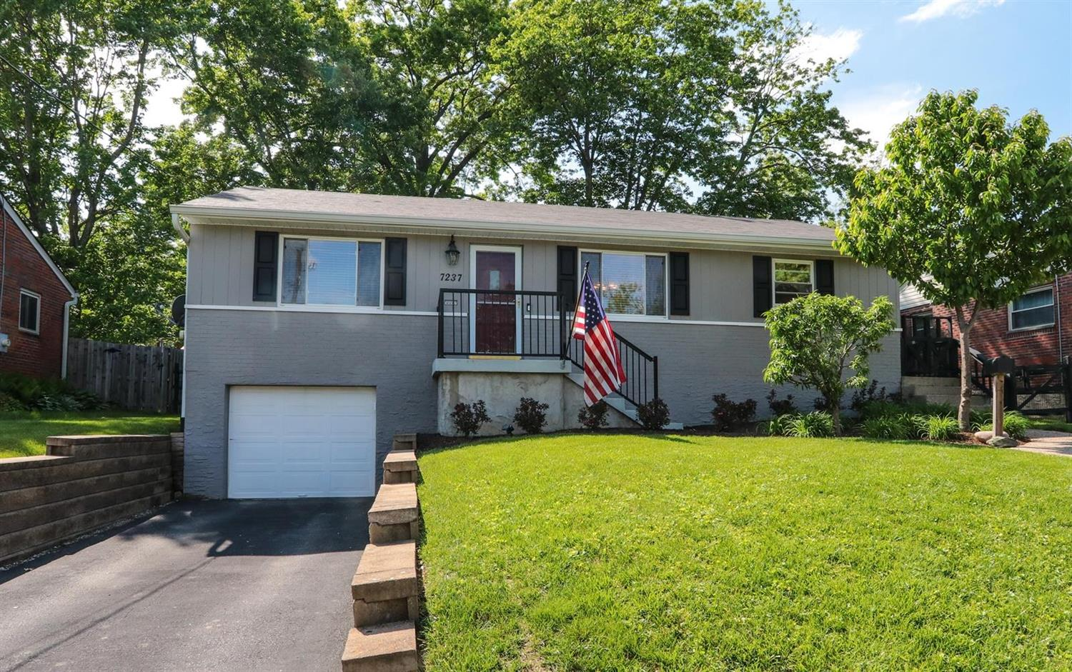 Property for sale at 7237 Berwood Drive, Madeira,  Ohio 45243