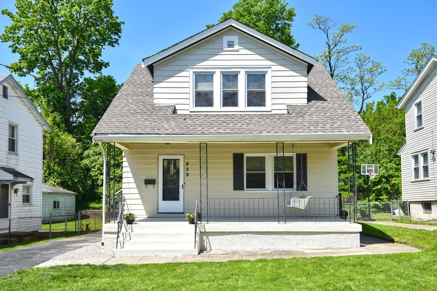 Property for sale at 829 Greenwich Avenue, Cincinnati,  Ohio 45238