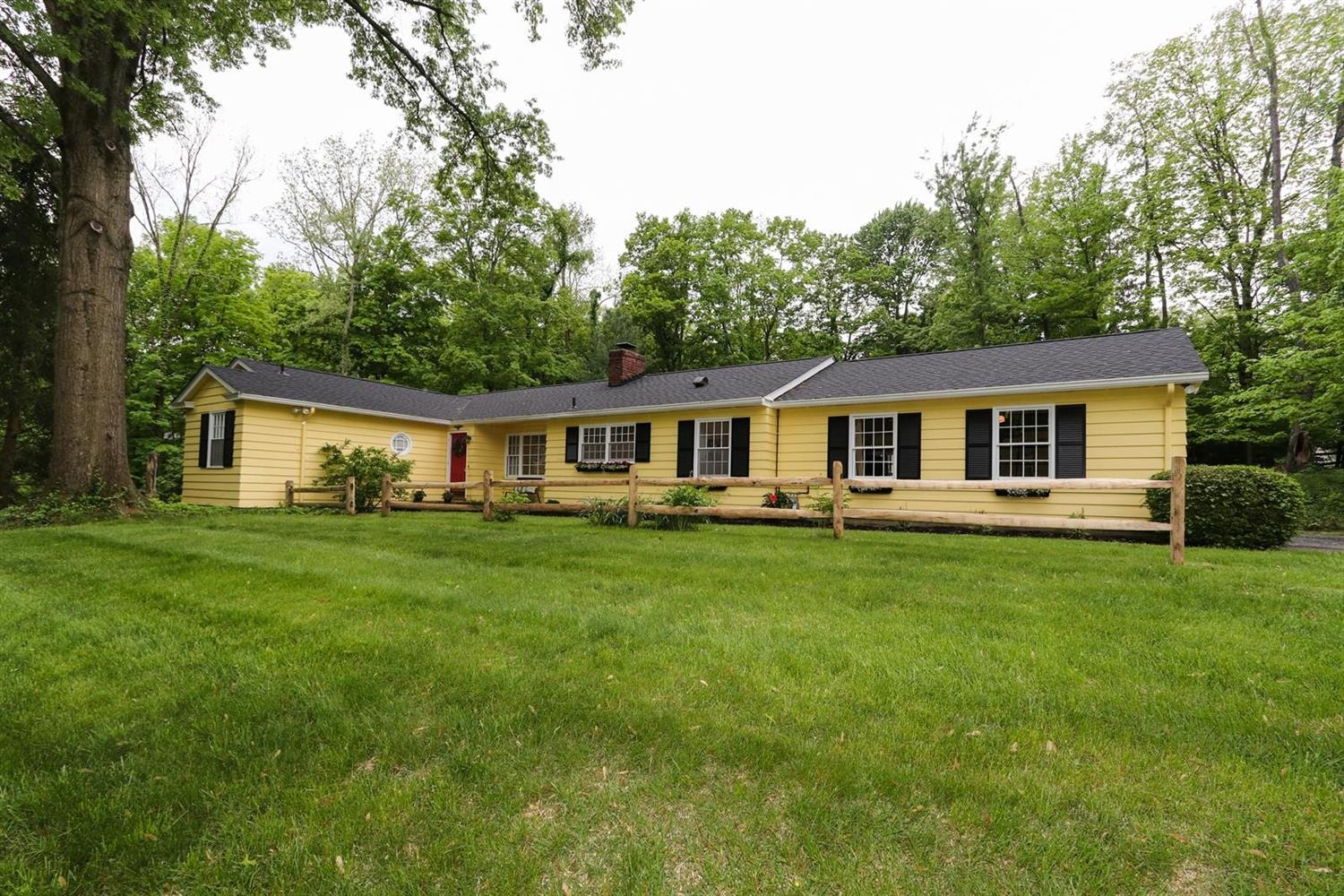 Photo of home for sale at 7635 Demar Road, Indian Hill OH