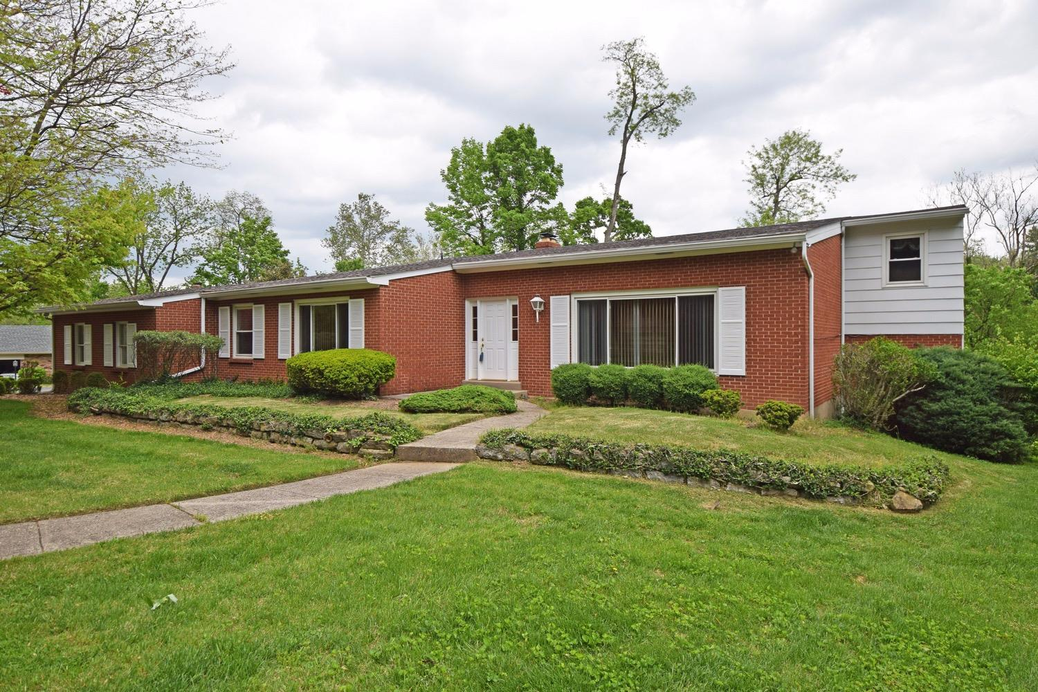 Property for sale at 6750 Fair Acres Lane, Amberley,  Ohio 45213