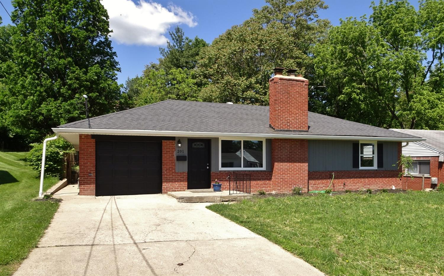 Property for sale at 201 W Crest Drive, Reading,  Ohio 45215