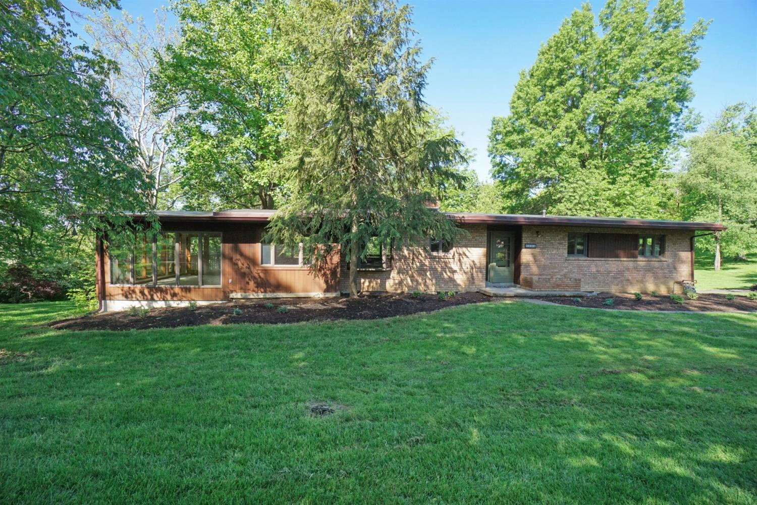 Property for sale at 6689 Pine Knoll Drive, Springfield Twp.,  Ohio 45224