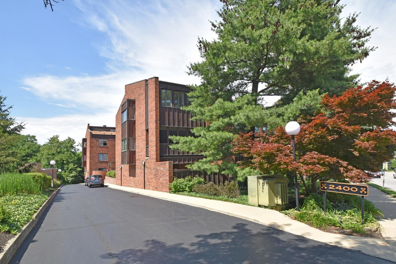 Property for sale at 2400 Madison Road Unit: 8, Cincinnati,  Ohio 45208