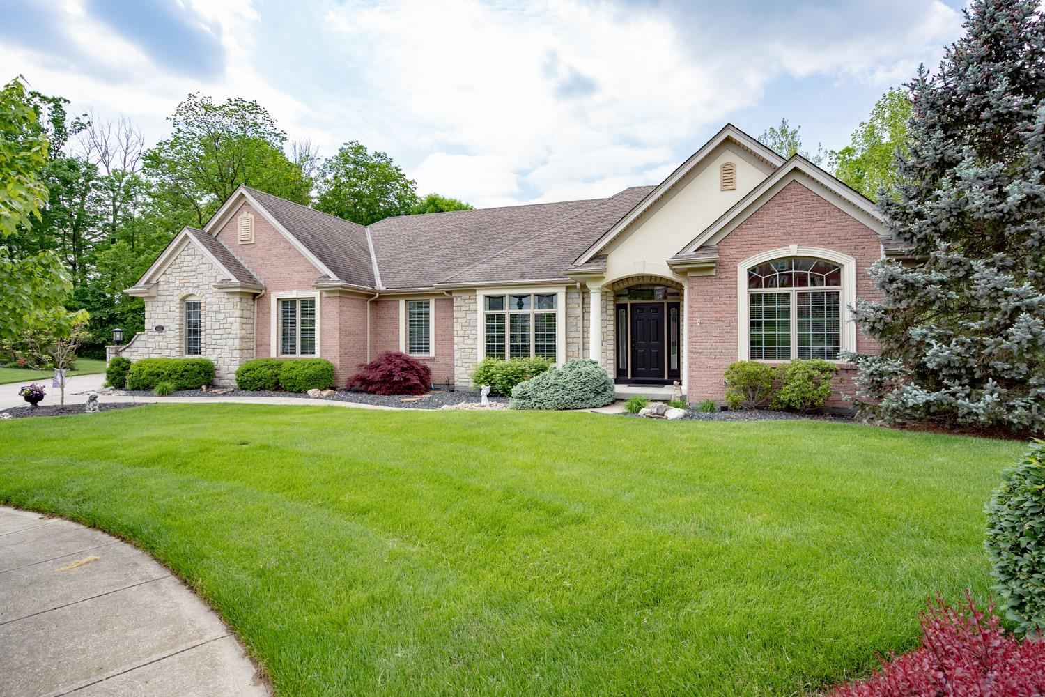 Property for sale at 6102 Garden View Court, Green Twp,  Ohio 45247