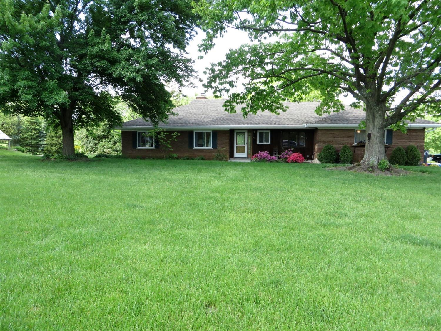 Property for sale at 476 Beechtree Drive, Springfield Twp.,  Ohio 45224