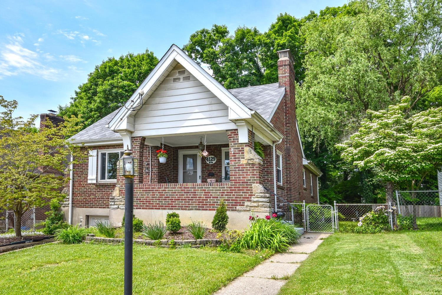 Photo of home for sale at 4129 Sherel Lane, Cincinnati OH