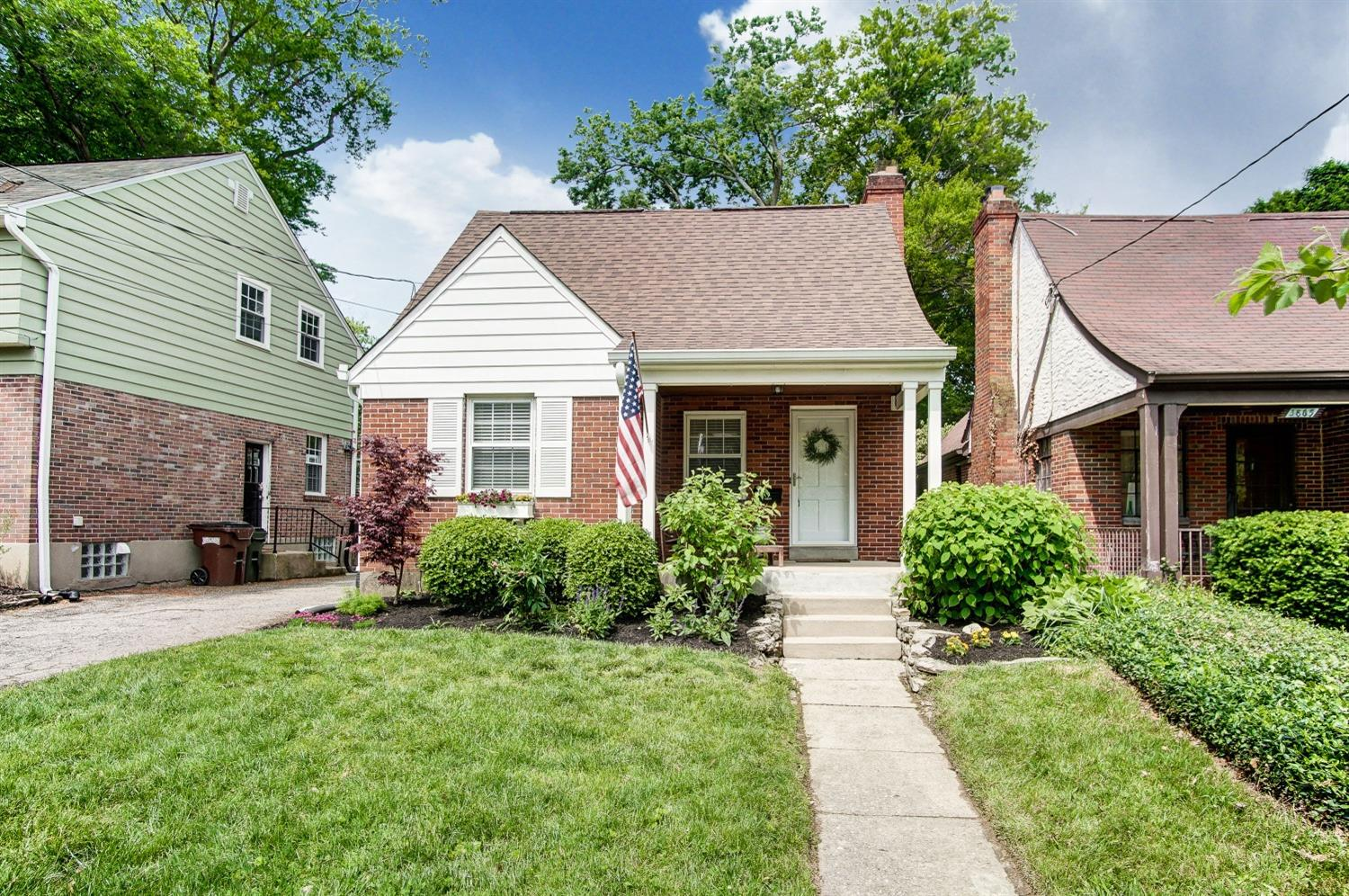 Property for sale at 3863 Homewood Road, Mariemont,  Ohio 45227