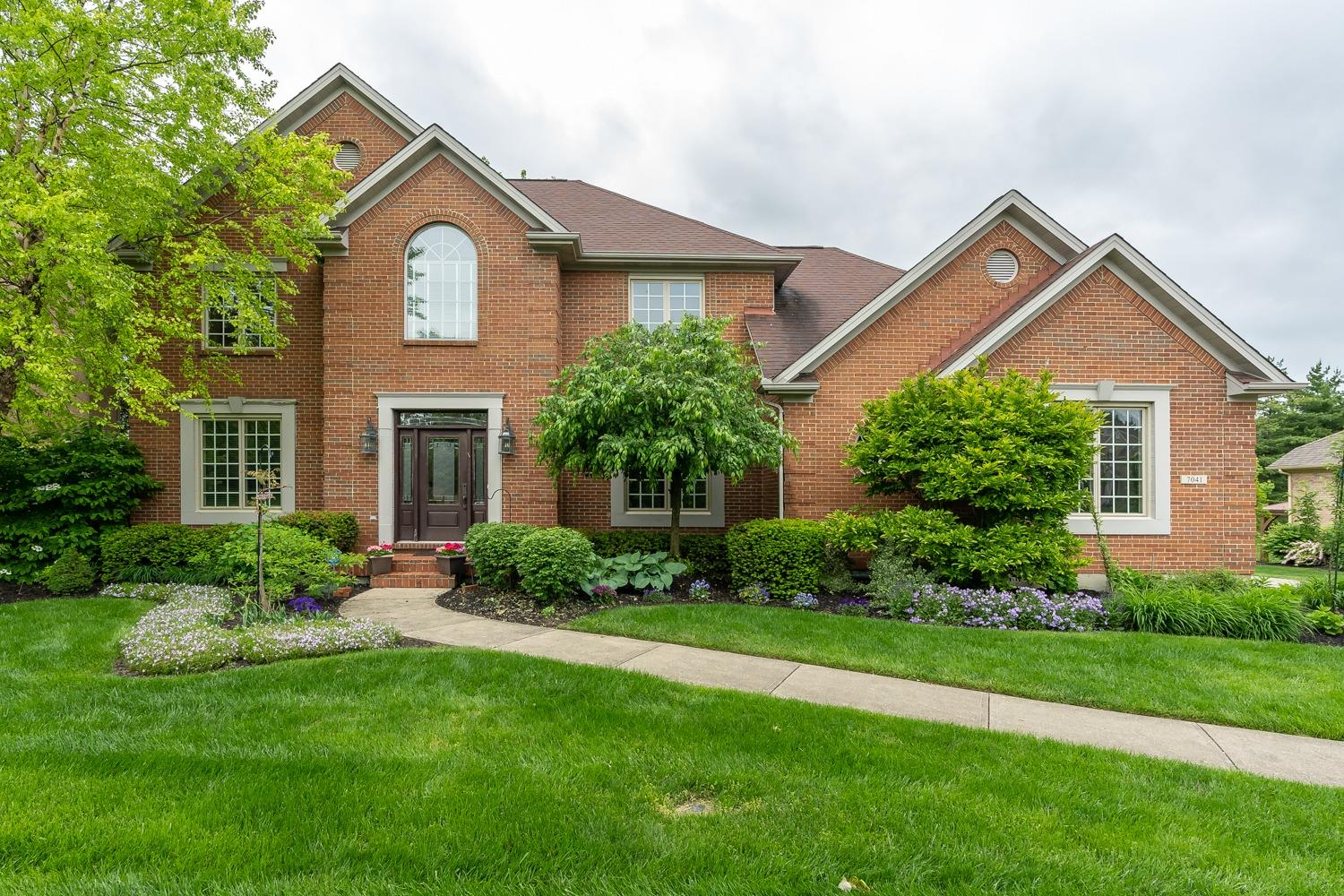 Property for sale at 7041 Valley Falls Court, Liberty Twp,  Ohio 45011