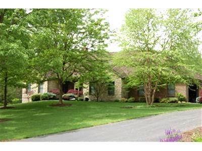 Property for sale at 227 Heathwood Lane, Hamilton,  Ohio 45013