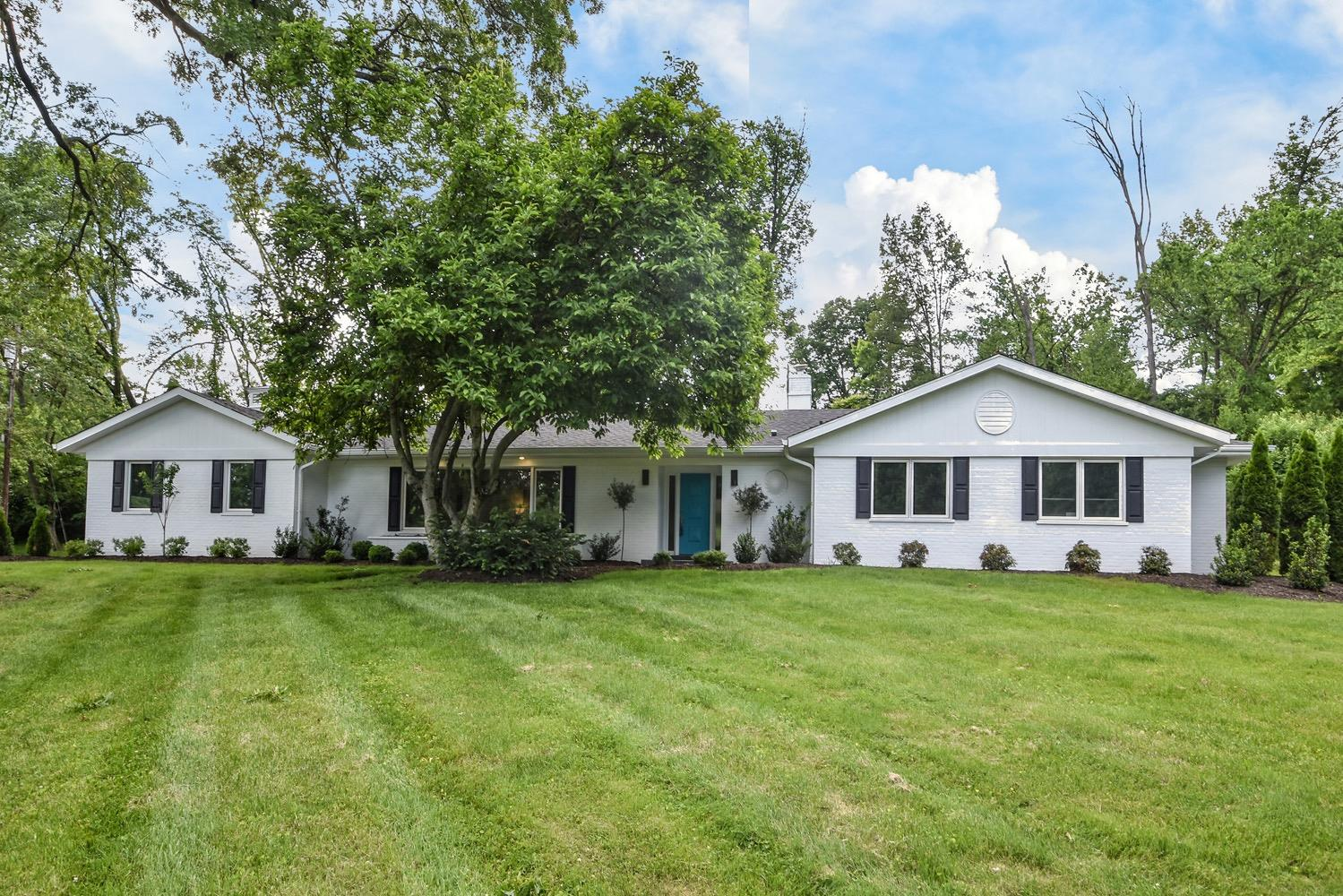 Property for sale at 7405 Aracoma Forest Drive, Amberley,  Ohio 45237