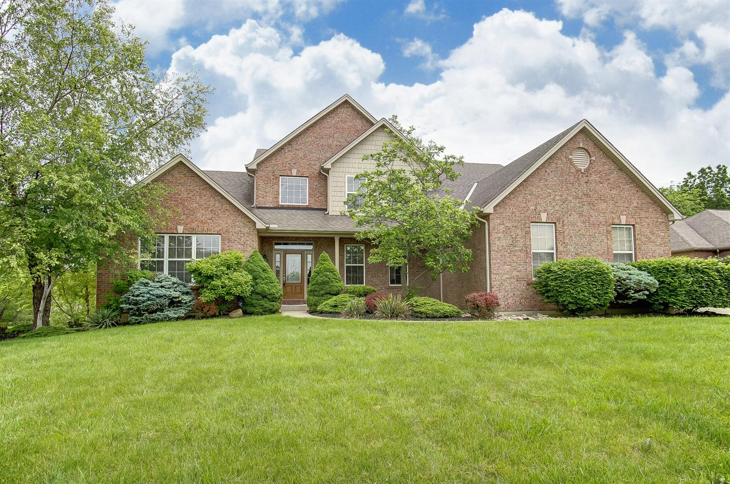 Property for sale at 5558 Longhunter Chase Drive, Liberty Twp,  Ohio 45044