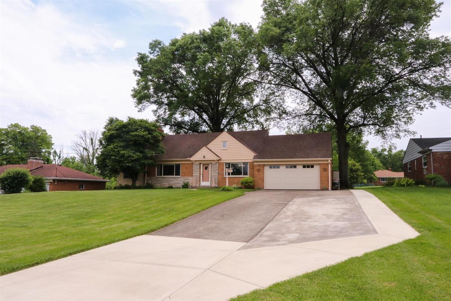 Property for sale at 817 Denier Place, Springfield Twp.,  Ohio 45224