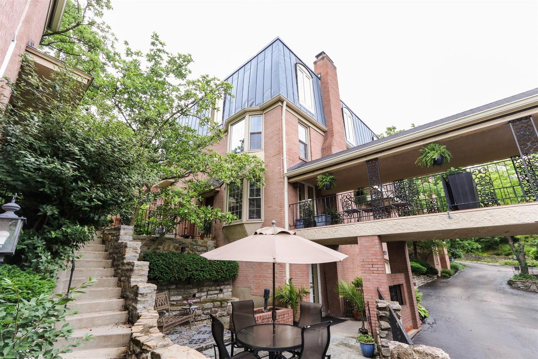 Property for sale at 854 Rue De La Paix Unit: B4, Cincinnati,  Ohio 45220