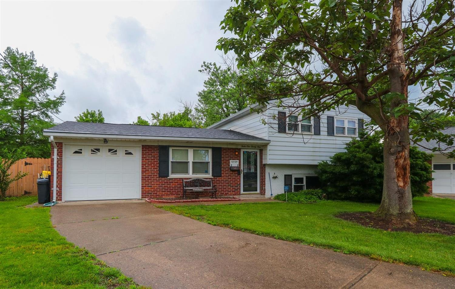 Property for sale at 12129 Henderson Court, Sharonville,  Ohio 45246