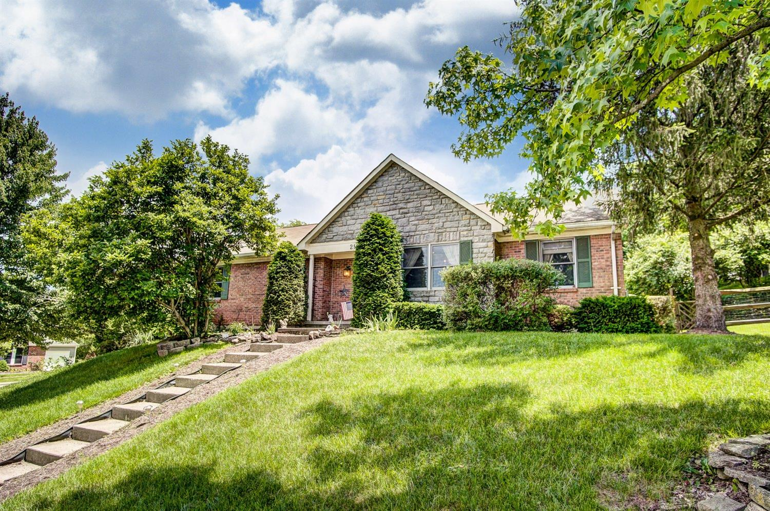 Property for sale at 2166 Trailridge Drive, Reading,  Ohio 45215