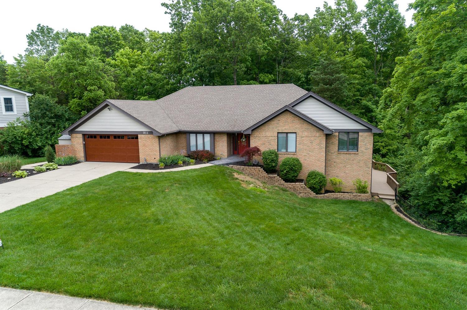Property for sale at 911 Oaknoll Drive, Clearcreek Twp.,  Ohio 45066