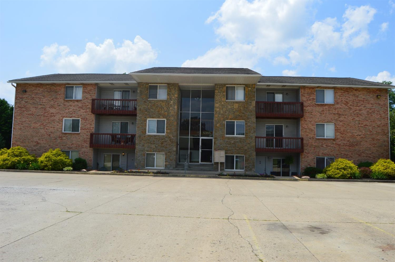 Property for sale at 5385 Camelot Drive Unit: 2-C, Fairfield,  Ohio 45014