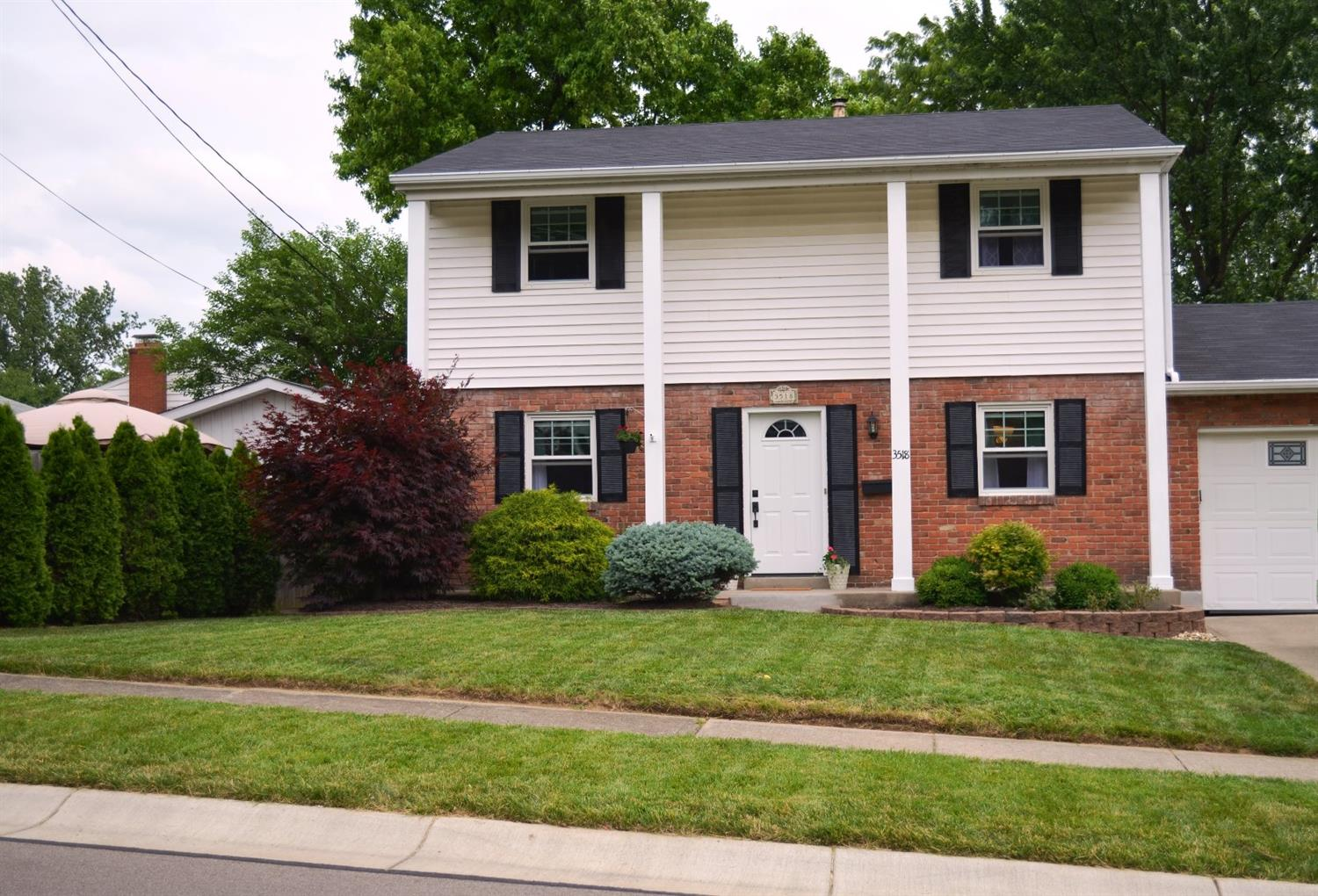 Property for sale at 3518 Grandview Avenue, Sharonville,  Ohio 45241