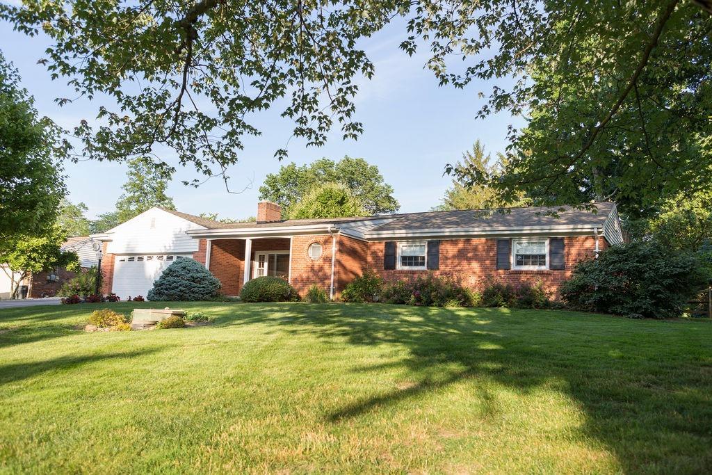 Property for sale at 5636 Oakvista Drive, Madeira,  Ohio 45227