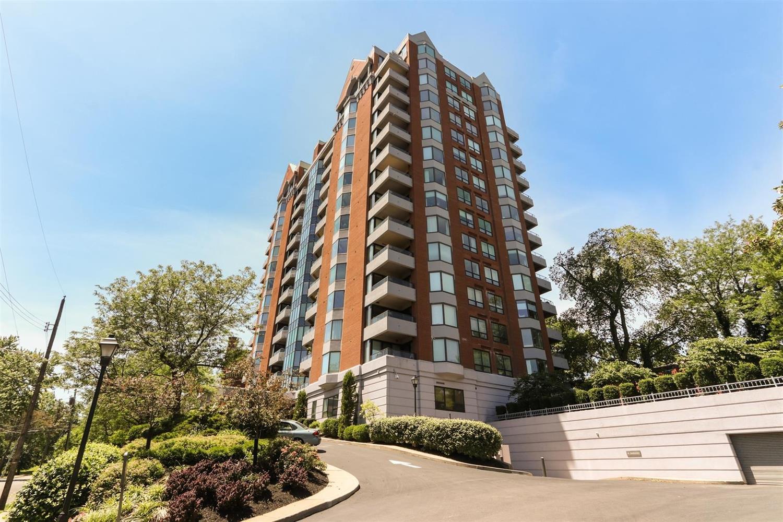 Property for sale at 2121 Alpine Place Unit: 404, Cincinnati,  Ohio 45206