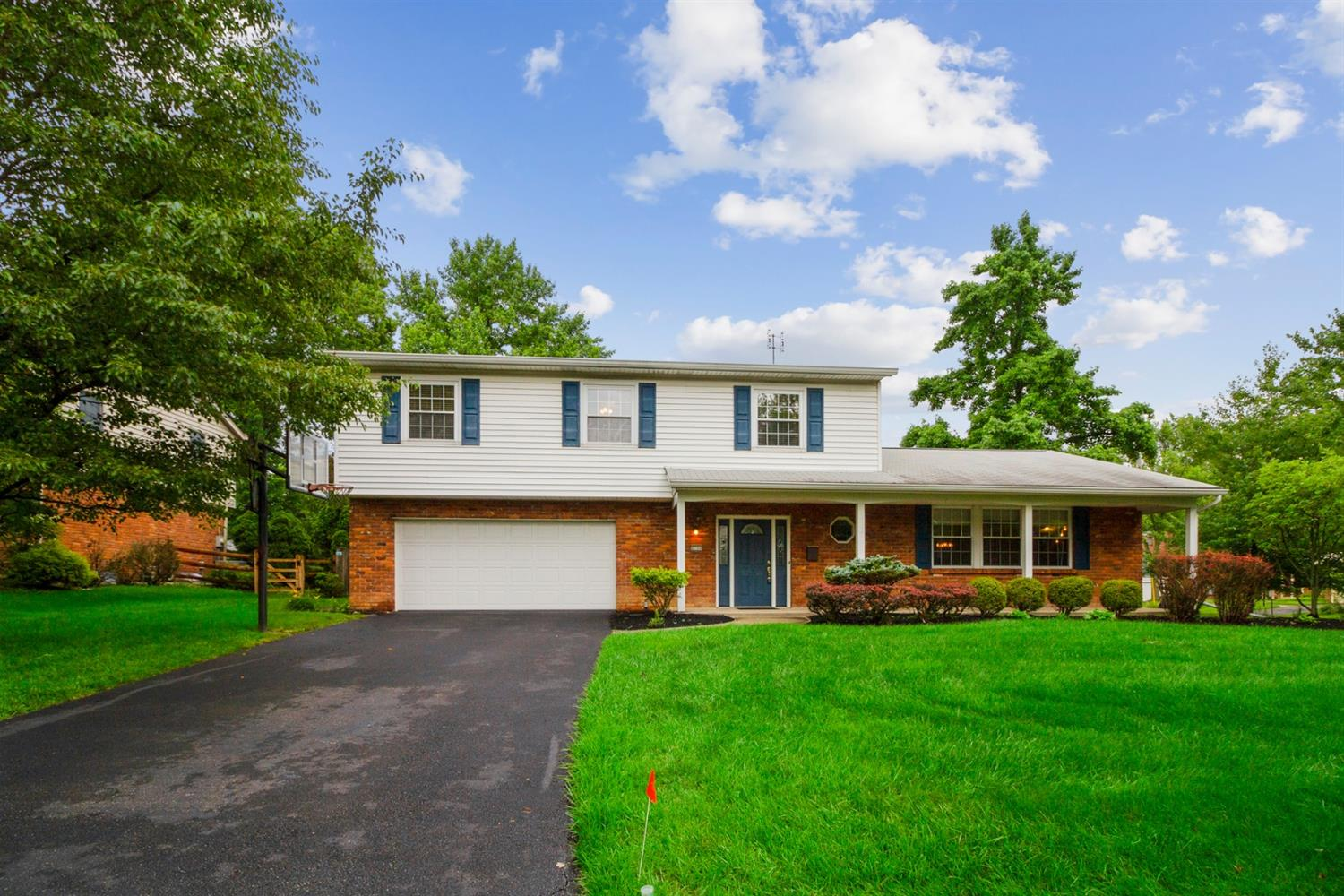 Property for sale at 8704 Shagbark Drive, Sycamore Twp,  Ohio 45242