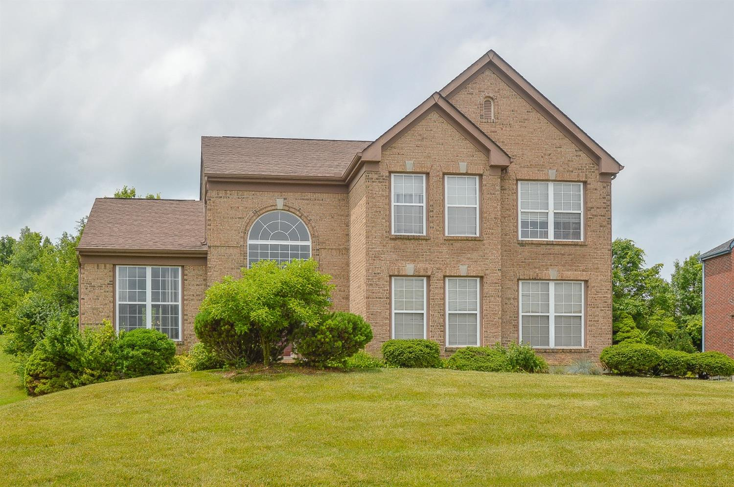 Property for sale at 12103 Doe Run Court, Springfield Twp.,  Ohio 45240