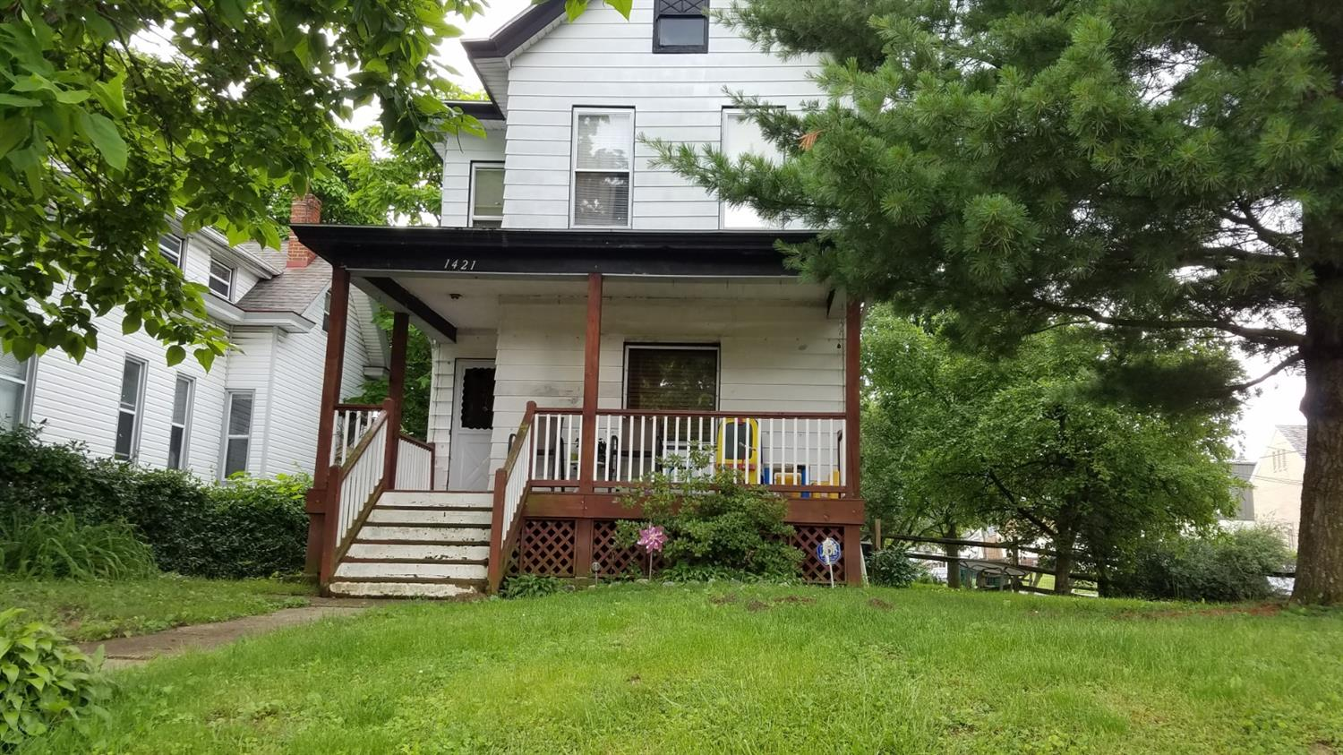 Property for sale at 1421 Cedar Avenue, Cincinnati,  Ohio 45224