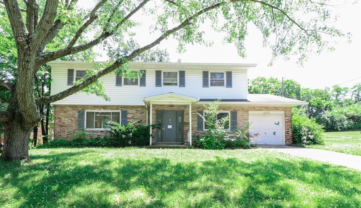 Property for sale at 767 Cedarhill Drive, Springdale,  Ohio 45240