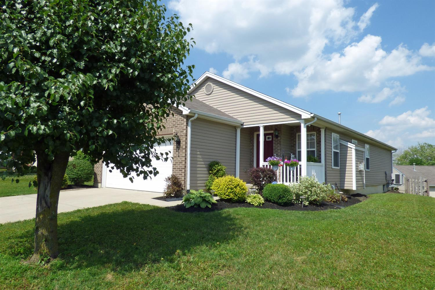 Property for sale at 5886 Hayden Drive, Middletown,  Ohio 45042
