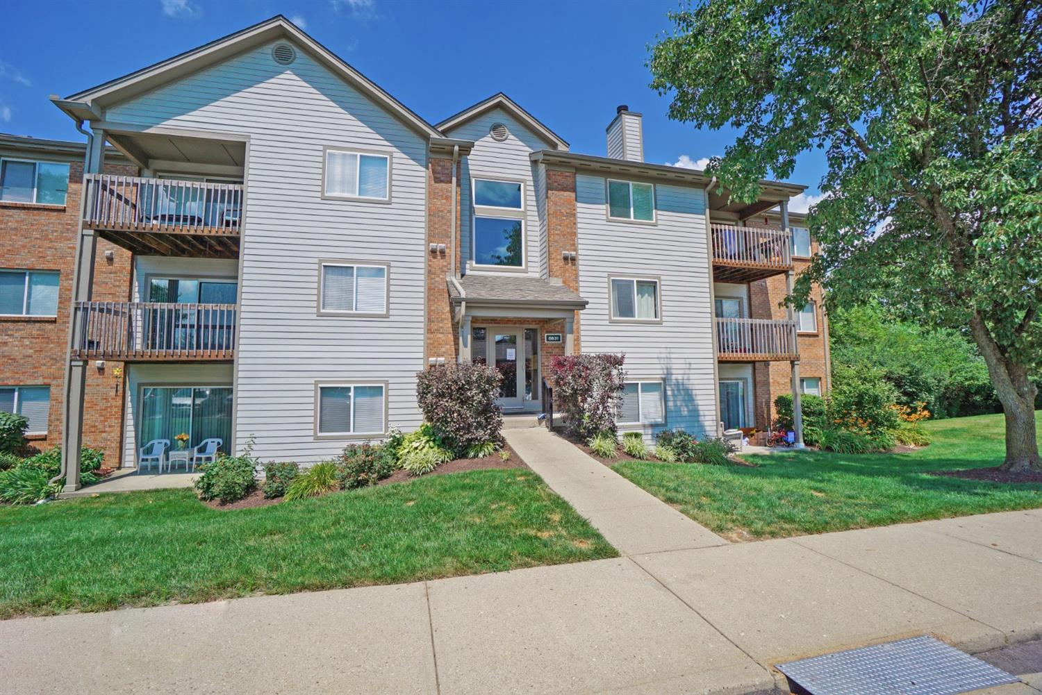 Property for sale at 8831 Eagleview Drive Unit: 8, West Chester,  Ohio 45069