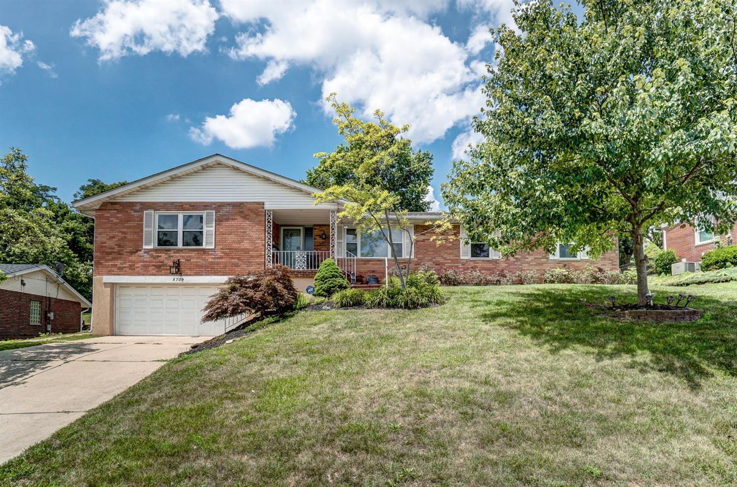 Property for sale at 5709 Jeffrey Place, Fairfield,  Ohio 45014
