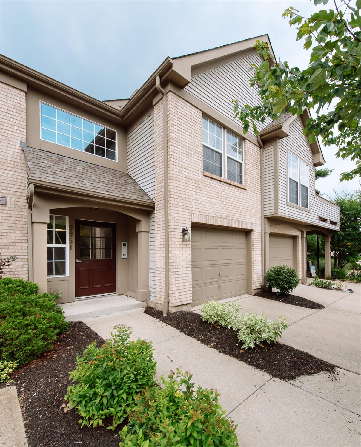 Property for sale at 9951 Shorewood Lane Unit: H, Sharonville,  Ohio 45241