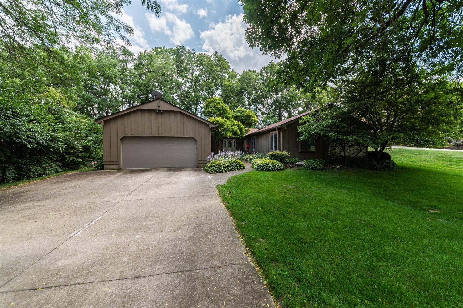 Property for sale at 813 Broadview Drive, Fairfield,  Ohio 45014