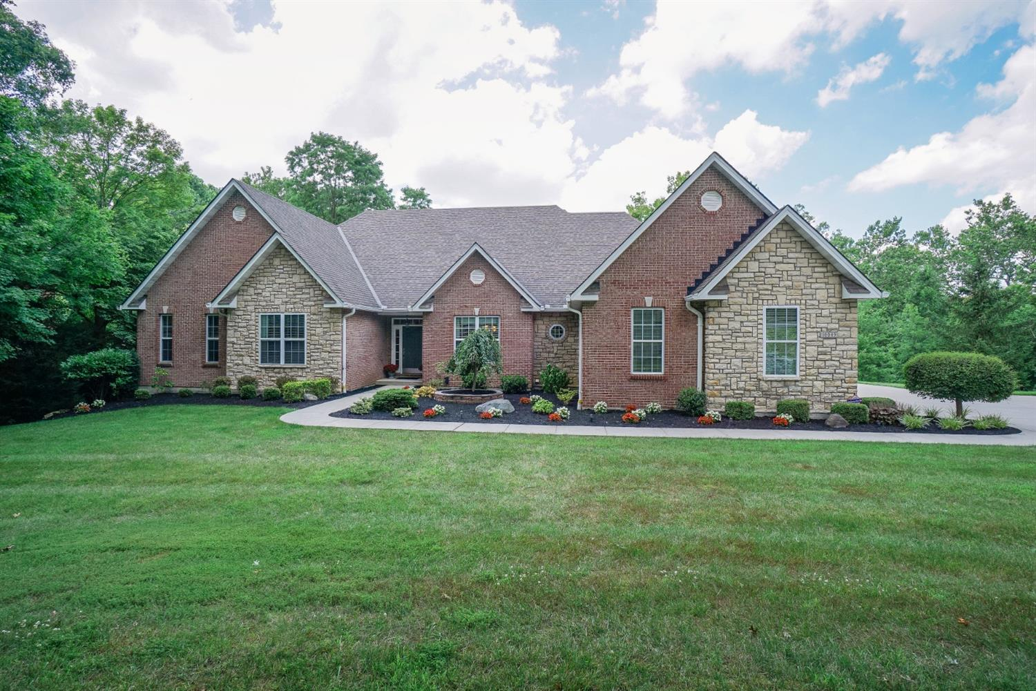 Property for sale at 10049 Indian Walk Drive, Sharonville,  Ohio 45241
