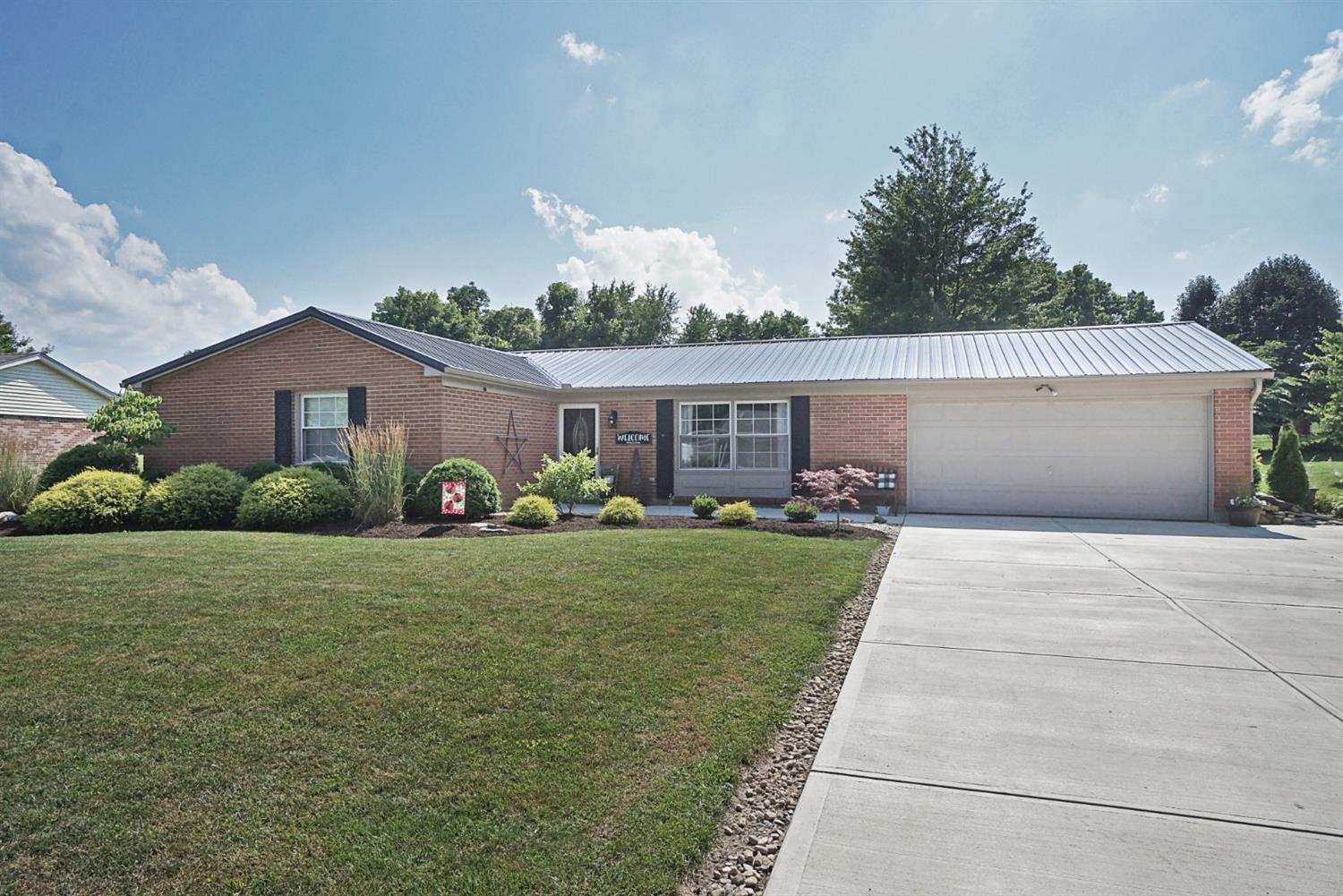Property for sale at 703 Robindale Drive, Waynesville,  Ohio 45068