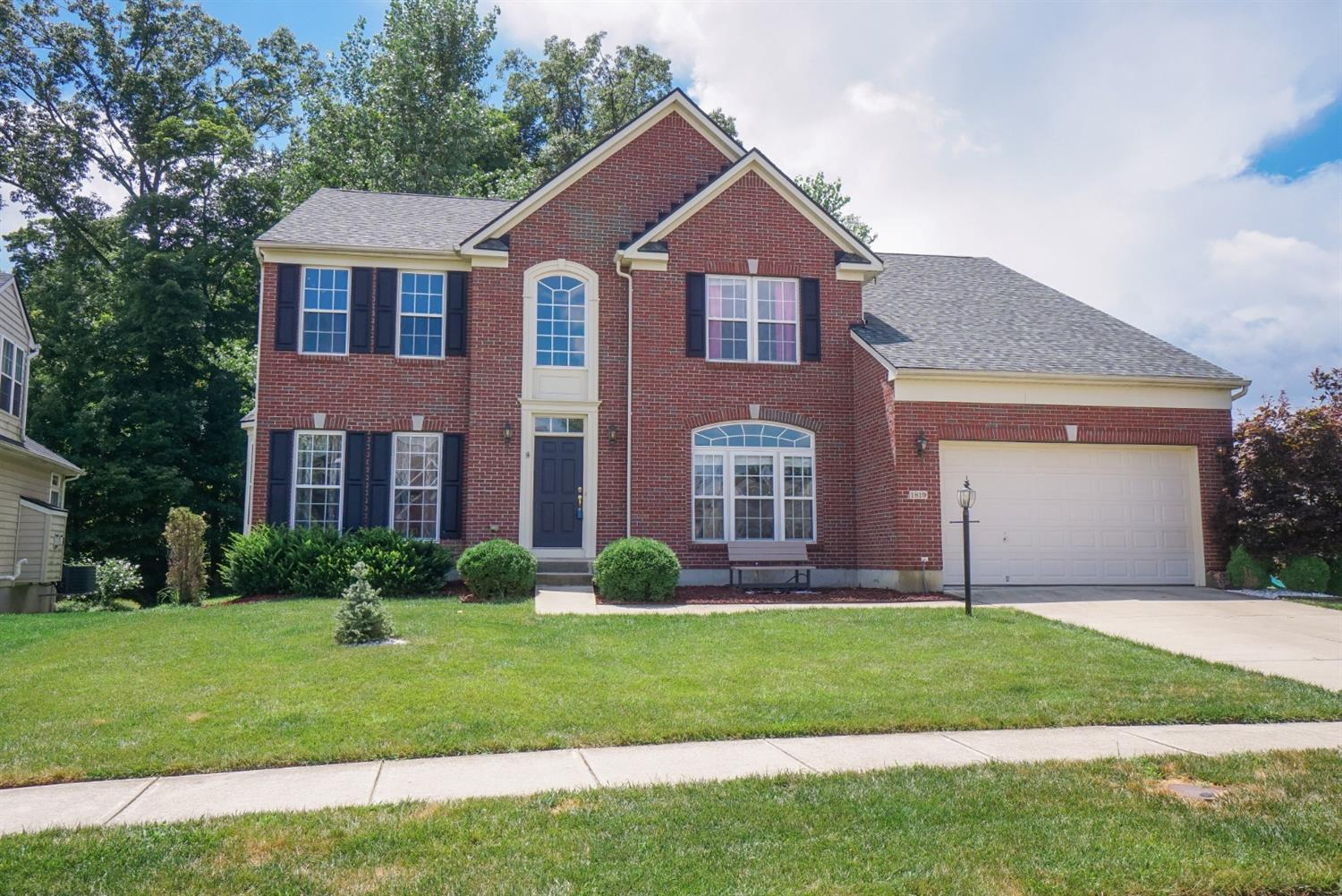 Property for sale at 1819 Amberwood Way, Hamilton Twp,  Ohio 45039