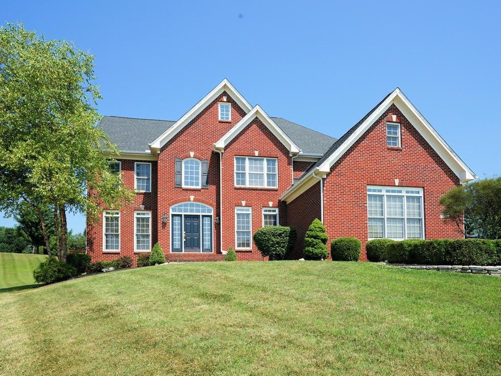 Property for sale at 8215 Pineleigh Court, Deerfield Twp.,  Ohio 45040