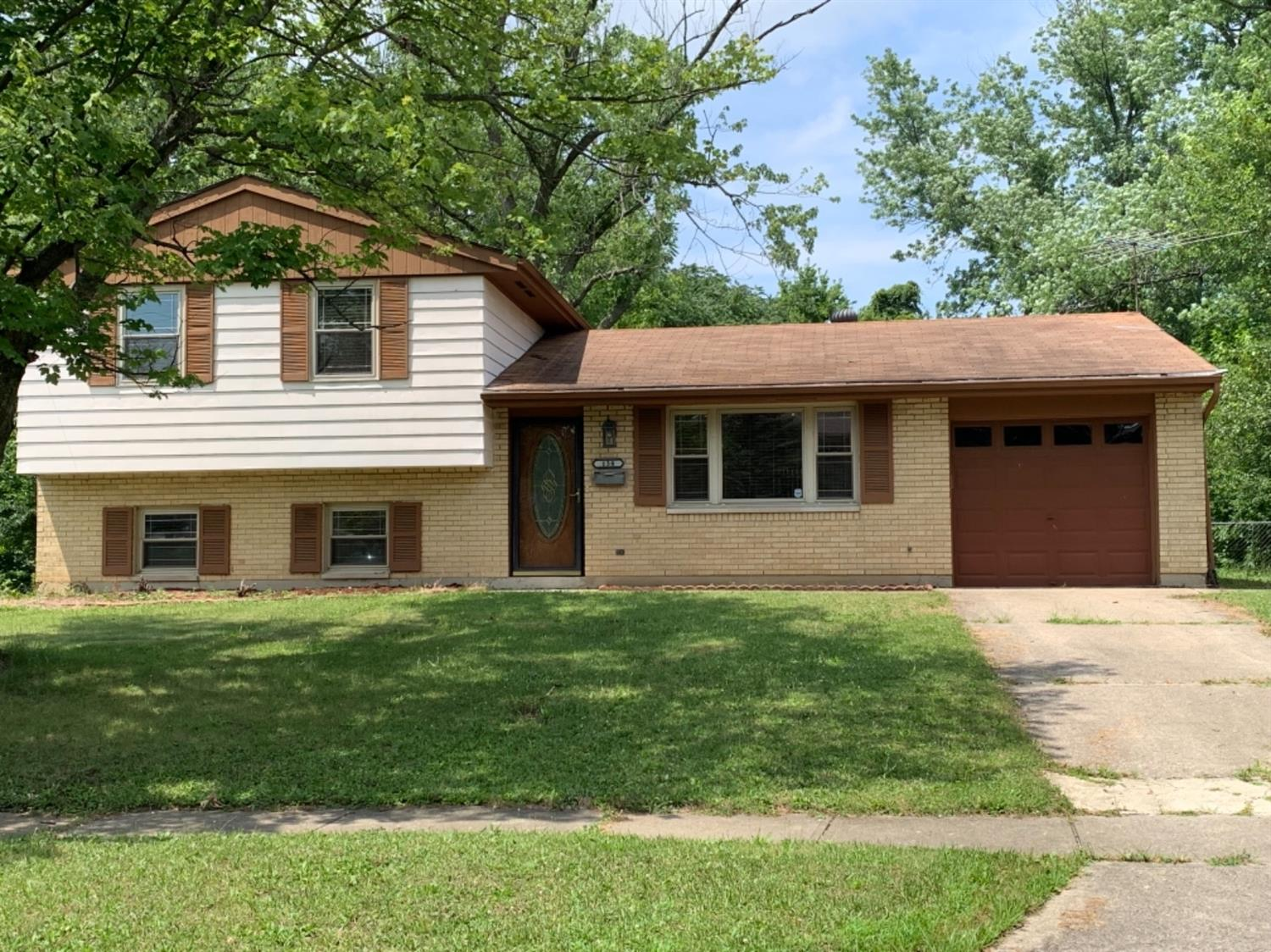Property for sale at 138 Silverwood Circle, Springdale,  Ohio 45246