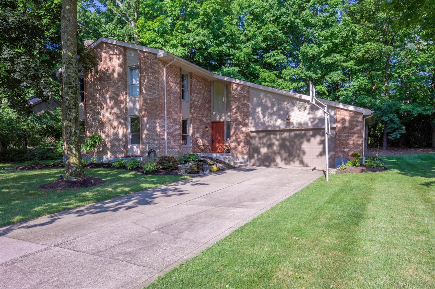 Property for sale at 12161 Scoutmaster Drive, Sycamore Twp,  Ohio 45241