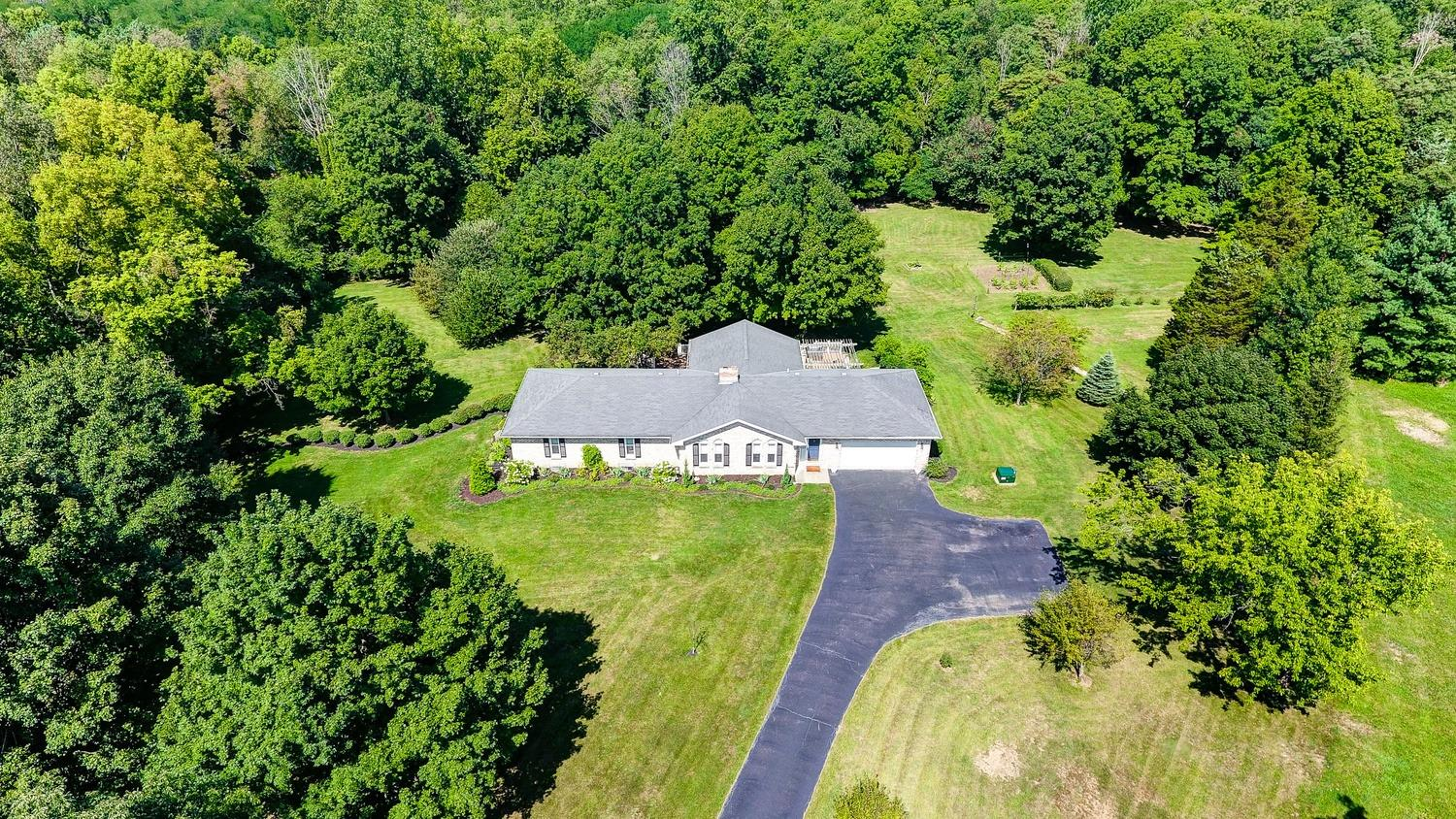 Property for sale at 122 Akins Court, Clearcreek Twp.,  Ohio 45066
