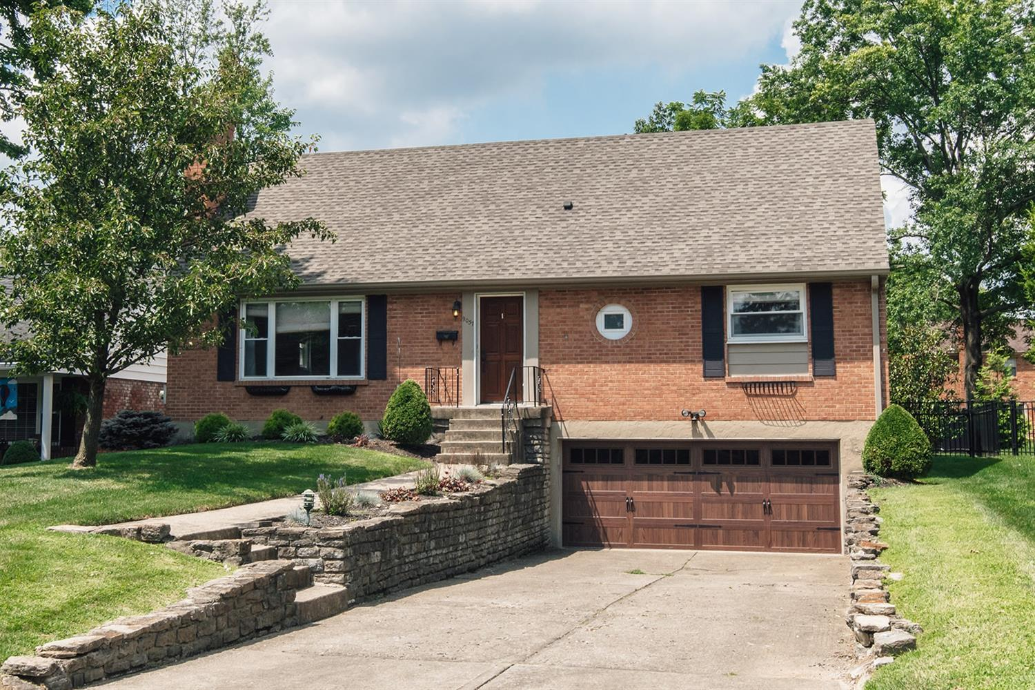 Property for sale at 9057 Shadetree Drive, Sycamore Twp,  Ohio 45242