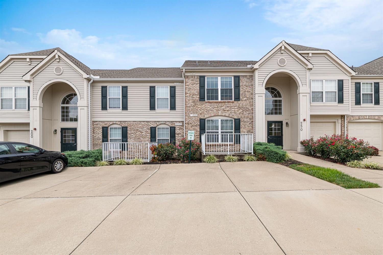 Property for sale at 200 Postoak Lane Unit: B, Milford,  Ohio 45150